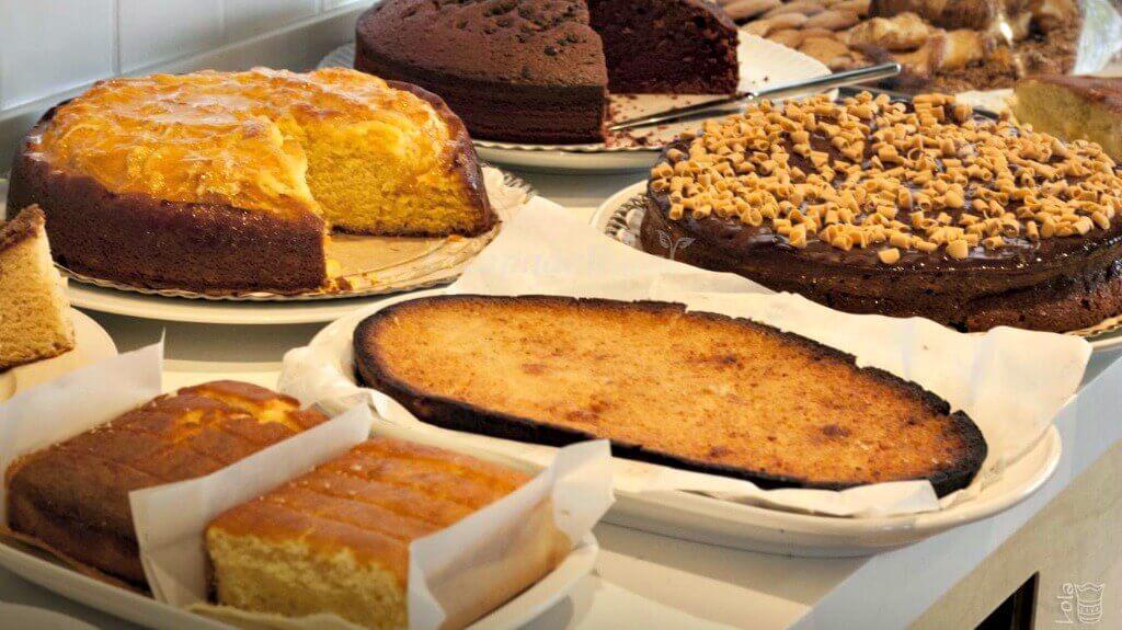 Bufet desayuno en el hotel La Alfonsina, Santibáñez de Villacarriedo
